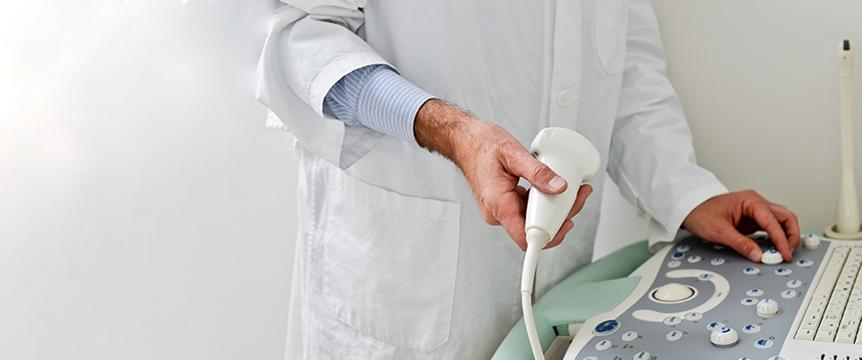 Процесс ультразвукового исследования предстательной железы, простаты и мошонки